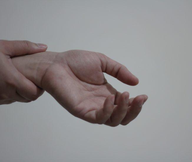 Smärtande hand